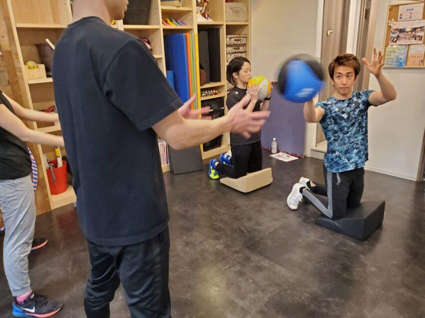 動きの質を高める体幹&回旋トレーニング07