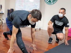 正しい姿勢で動く方法を学べるファンクショナルトレーニングベーシックコース07